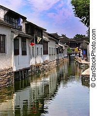 Canals Zhou Zhuang China - Zhou Zhuang is an ancient city...