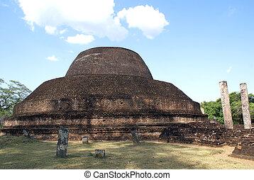 Brick pagoda inm Polonnaruwa, Sri Lanka