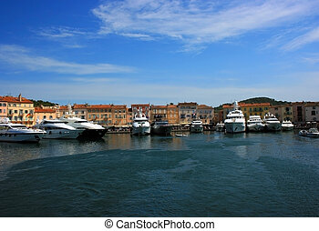 Saint Tropez quay - Marine view of Saint Tropez quay with...