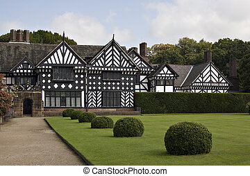 Manor house - A timbered Tudor manor house and garden
