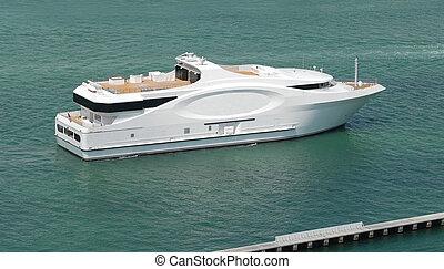 Luxury Boating  - Miami Style