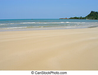 flat sandy beach - clear sandy beach in Thailand