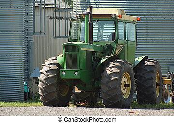 Farm Tractor - Green Farm Tractor
