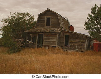 Old prairiehomestead - Vacant old farmhouse on the western...