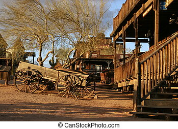 Old wagon at Ghost town - Old wagon at Goldfield Ghostown,...