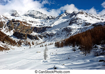 Winter landscape - Mountain valley, winter season, west...