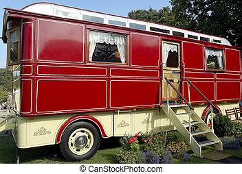 Large Romany Caravan - Restored travellers caravan with...