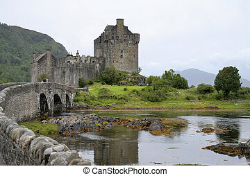 Eilean Donan castle - The famous castle in the Scottish...