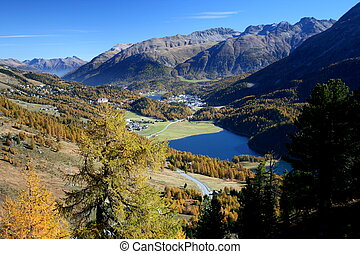 Champfer, Champfersee - On the Engadin hiking trail View...