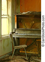 The Day the Music Died - Ancient piano sits in abandoned,...