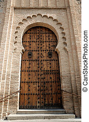 moorish style door - Ancient moorish style door in Toledo,...
