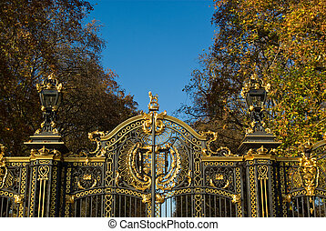 buckingham palace with blue sky background london uk
