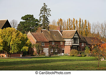 English Property - English village house in Autumn