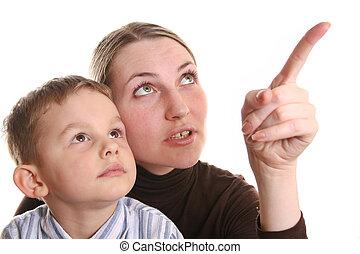mãe, mostrar, filho, dedo