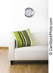 Sweet home - Nice home with a beautiful couch and a green...