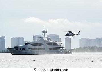 helicóptero, Yate