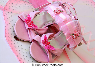 Shoes with butterflies - Pink shoes and accessories in large...