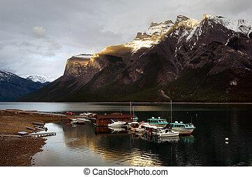 Minnewanka lake - Boats on Minnewanka lake, Banff national...