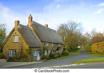 Thatched Roof Cottage - Cute English cottage with a thatched...