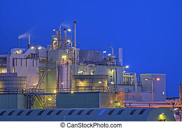Chemical factory - Intimate part of a large chemical...
