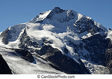 Piz Bernina - view from the diavolezza cable car station to...