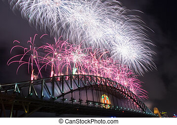 Harbour Bridge Fireworks - Sparkling New Year Eve nye...