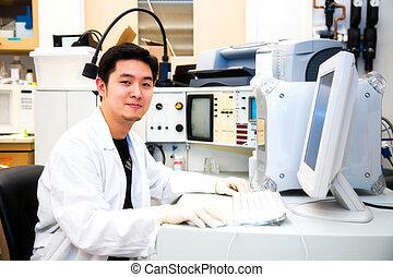 trabajando, científico