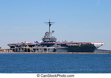 Aircraft carrier USS Lexington dockt in Corpus Christi