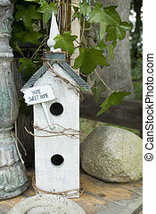 Home sweet home - birdhouse home sweet home