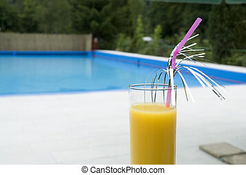 Cocktail by the swimmingpool