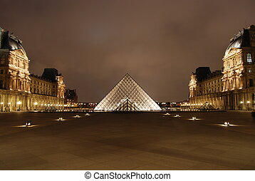 Glass pyramid - Entrance to the Louvre museum, Paris, France