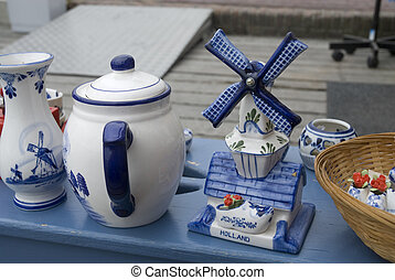 souvenir-shop - souvenirs from holland in blue and white