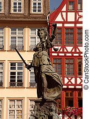 Statue of Justizia at Rmer in Frankfurt