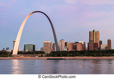 St Louis Arch at sunrise - St Louis and The Arch from across...
