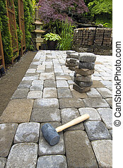 Laying Garden Pavers Patio - Laying Garden Cement Pavers...