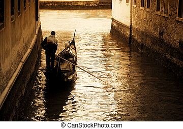 Venice - tourist attractions: Venice at the sunset