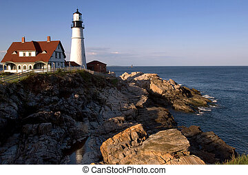 Portland Head lighthouse - One of the oldest lighthouses on...