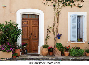 Provencal home - Traditional provencal home in Southern...