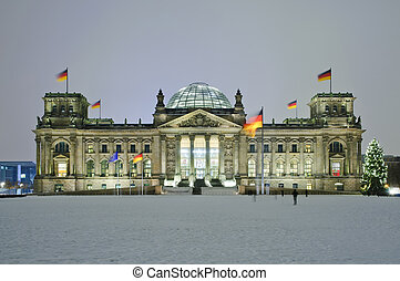 bundestag in Berlin - bundestag (reichstag) in winter at...