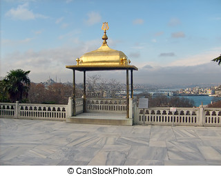 Istanbul Topkapi Palace - Golden roof overlooking Istanbul...