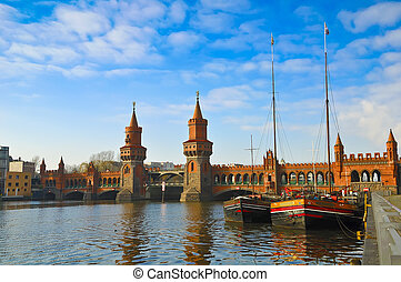 oberbaumbridge berlin - oberbaum bridge in berlin, germany