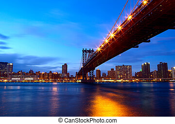 Manhattan Bridge - New York City Manhattan Bridge over East...