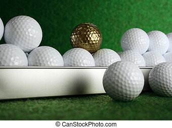 Golfball in gold - Golden golfball for the really great...
