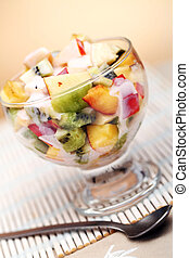 Fruit salad with yoghurt - Healthy fruit salad with yoghurt