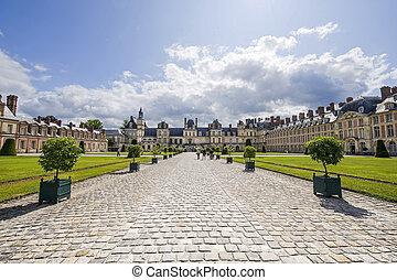 Fontainebleau (Seine-et-Marne, Ile-de-France, France) - A...