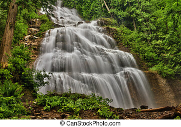 Bridal Veil Falls - Waterfalls in Canada