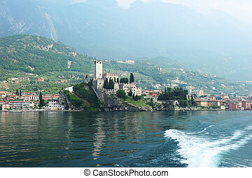 Lago del Garda - shore of Lake Garda