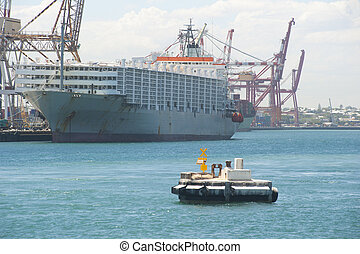 Freight vessel harbour Fremantle - Freight cargo ship...