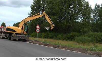 HD - Roadworks. Excavator