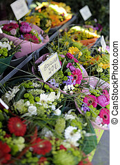 Bouquets at flower market - Bouquets at March aux Fleurs -...